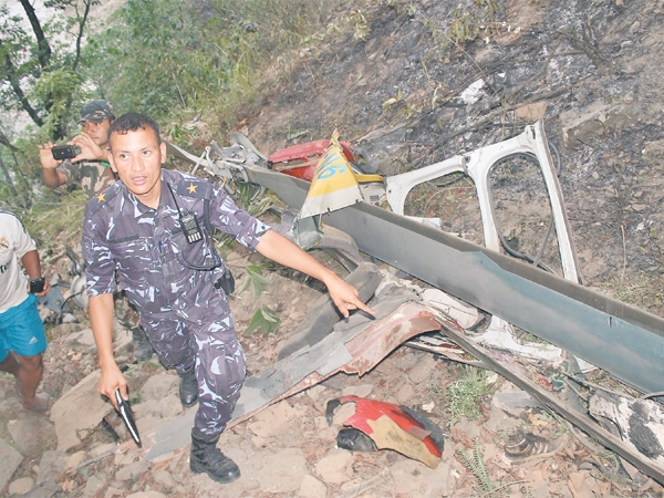 201506024-killed-in-sindhupalchok-helicopter-crash-600x0