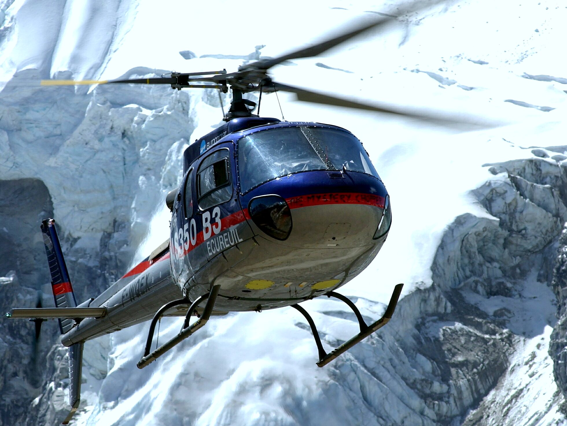 AS 350 B3 Helicopter at Everest